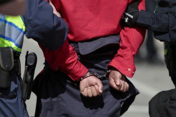 Uhapšeni jer su pokušali da prošvercuju 11 migranata iz Crne Gore u BiH
