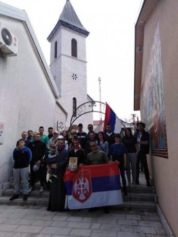 Hodočasnici iz Nevesinja i ove godine pješačili do Ostroga