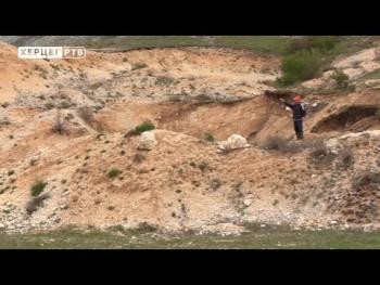 Do gatačkog sela Zagraci gotovo nemoguće doći automobilom (VIDEO)