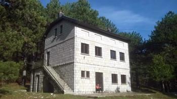 Opljačkan planinarski dom na Ublima