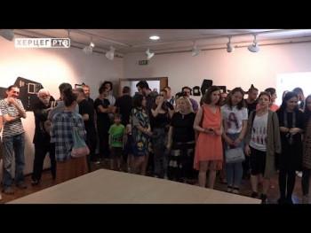 IZLOŽBA STUDENATA LIKOVNE AKADEMIJA - KREATIVNOST U PUNOM SJAJU (VIDEO)