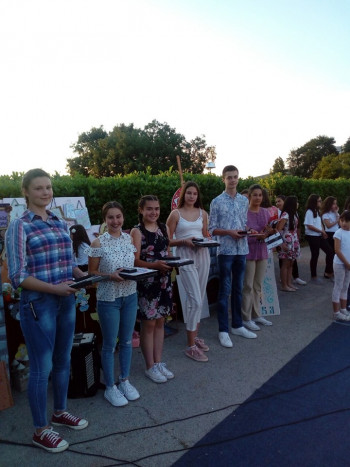 Билећа: Одржан завршни школски час - награђени најбољи ученици