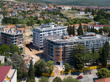 Prve tri zgrade budućeg kompleksa Centar u Trebinju u završnoj fazi - Prodato više od pola stanova (VIDEO)