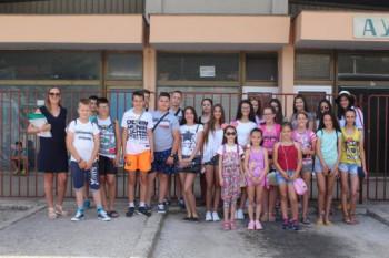 На љетовање у Црну Гору отпутовало 25 дјеце из Билеће