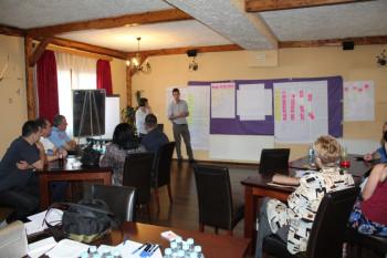 Nevesinje: UNDP u Nevesinju pomaže rješavanje problema pasa lutalica
