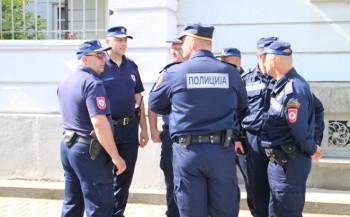 Veće plate za 640 policajaca