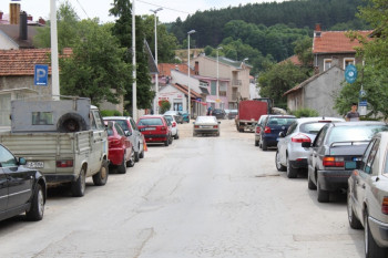 Nevesinje: Zabranjeno parkiranje vozila u Ulici Miloša Obilića