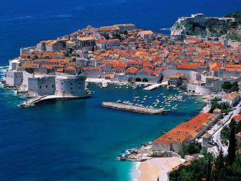 Zatvorena plaža u Dubrovniku zbog fekalija u moru
