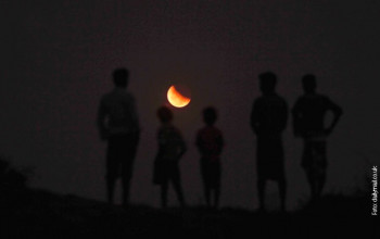 Вечерас дјелимично помрачење Мјесеца: Организовано посматрање кроз телескоп