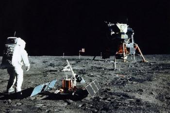 Kako je olovka spasila astronaute, šta je uradila CIA i ostale 'sitnice' prvog leta na Mjesec (VIDEO)