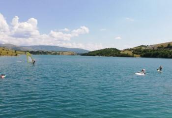 Besplatna škola jedrenja na jezeru Desivoje