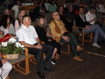 Билећа: Публици се представили Аница Добра и Ирфан Менсур