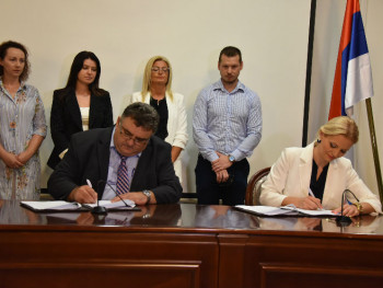 Potpisani kolektivni ugovori za bolji položaj zaposlenih