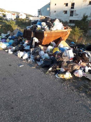 GACKO: Radnici 'Komusa' i danas u štrajku