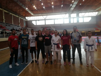 Karatistkinje Veleža osvojile tri bronzane medalje na prvenstvu RS