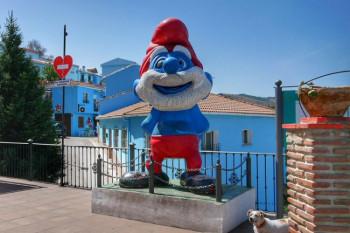 Fotogenično plavo selo koje čuva uspomenu na Štrumpfove