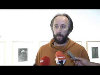 U Kulturnom centru Trebinje otvorena izložba 'Neznatno' Miodraga Manojlovića (VIDEO)