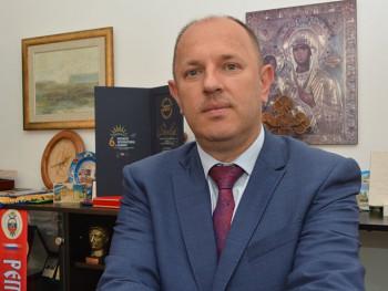 СНСД: Петровић поново изабран за генералног секретара