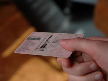 Izdali najmanje 10 vozačkih dozvola osobama bez položenog ispita