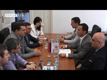Ruski novinari u posjeti Gradskoj upravi (VIDEO)