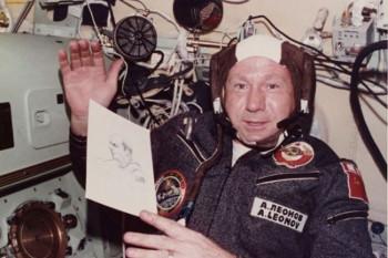 Umro čovjek koji je prvi šetao svemirom