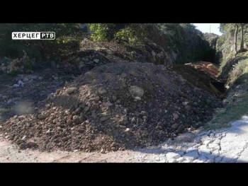 Uklonjen šut sa biciklistike staze, novčana kazna odgovornima (VIDEO)