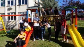 Bileća: Izgradnja dječijeg igrališta u dvorištu osnovne škole