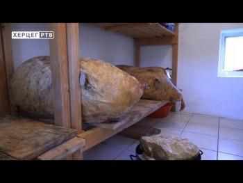 Sir iz mijeha na konferenciji u Italiji (VIDEO)