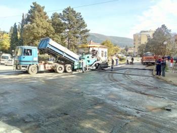 Počelo asfaltiranje glavne ulice u Bileći
