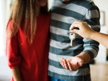 Odobren 141 zahtjev za subvencije kamate na stambene kredite mladih