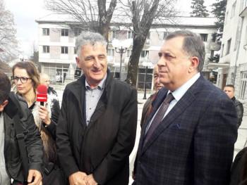 Dodik u Nevesinju: Za sanaciju oštećenih objekata 100 hiljada KM (FOTO)