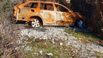 Na brdu iznad Mostara pronađen zapaljen automobil ukraden ljetos u Sarajevu