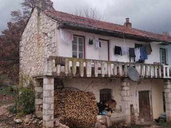 U zemljotresu najviše stradala kuća Zdravka Čolića