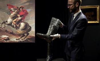 Napoleonove čizme prodate za 117.000 evra