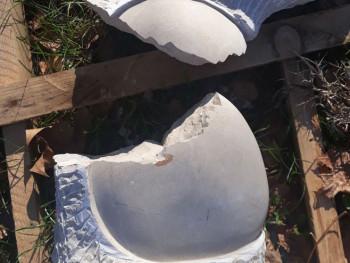 Vandalizam u Bileći: Uništena skulptura