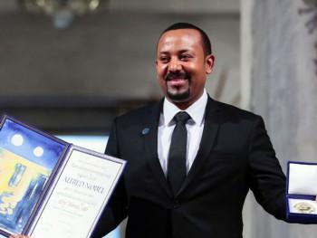 Dodijeljena Nobelova nagrada za mir; Handkeu nagrada za književnost