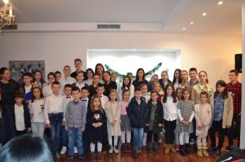 Nevesinje: Učenici Muzičke škole priredili novogodišnji koncert