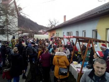 Foča: Na Zimskom vašaru roditelji spremali poslastice za mališane