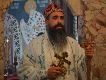 Policija pretukla episkopa Metodija