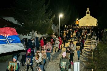 Moleban i litija u Ljubinju kao podrška progonjenoj Crkvi Hristovoj u Crnoj Gori