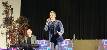 ODRŽAN BOŽIĆNI KONCERT U KONJICU: Pjevalo se uglas s Ivanom Milinkovićem