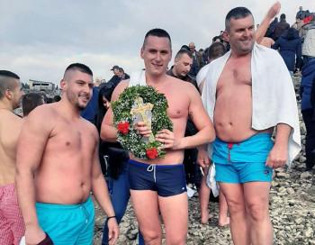 Nemanja Lero pobjednik plivanja za Časni krst na Bilećkom jezeru