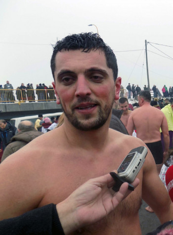 Trebinjac Gradimir Miladinović prvi doplivao do Časnog krsta u Istočnoj Ilidži