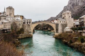 Kulturna društva obnavljaju porušene mostove u Mostaru