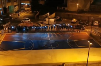 Komunalci odbili naređenje policije da prefarbaju trobojku na igralištu?