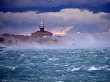 Olujni vjetar oko 200 kilometara na čas, najviše stradala Dalmacija