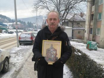 Nesvakidašnja litija: Čovjek sa ikonom sam prošetao gradom