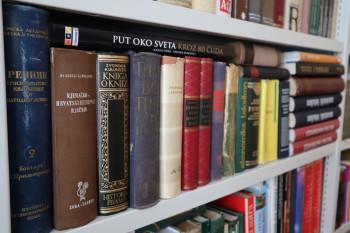 Народној библиотеци у Гацку донирано 450 нових књига