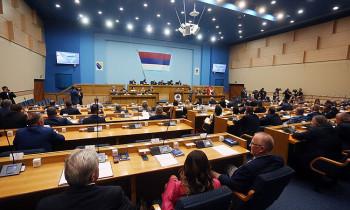 Svađa Sonje Karadžić i Draška Stanivukovića zbog Deklaracije o Crnoj Gori