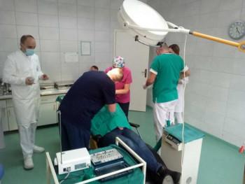 Medicinski fakultet u Foči prvi u Srpskoj u redovnu nastavu uveo ugradnju zubnog implantata